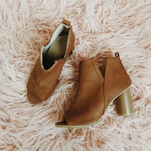 3 in. Brown, Open-Toed, Booties